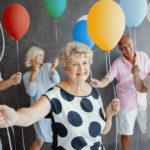 idosos-comemorando-em-ilpi